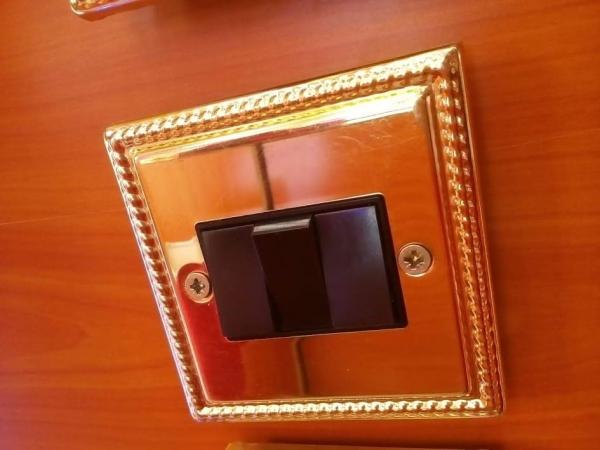 Brass 3G 2W Switch