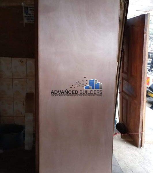 Mahogany veneer flush door